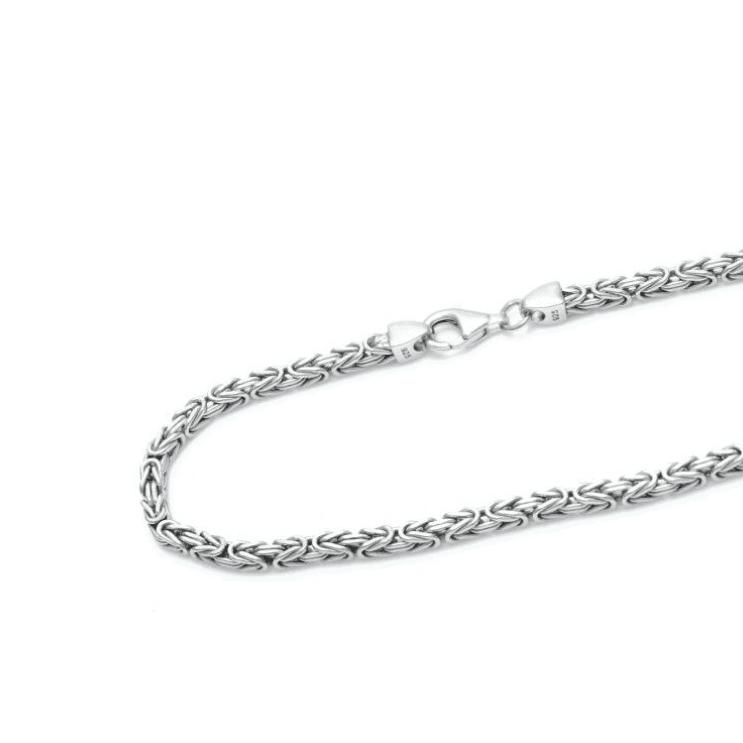 Tendencia en joyería 2021: cadenas de plata