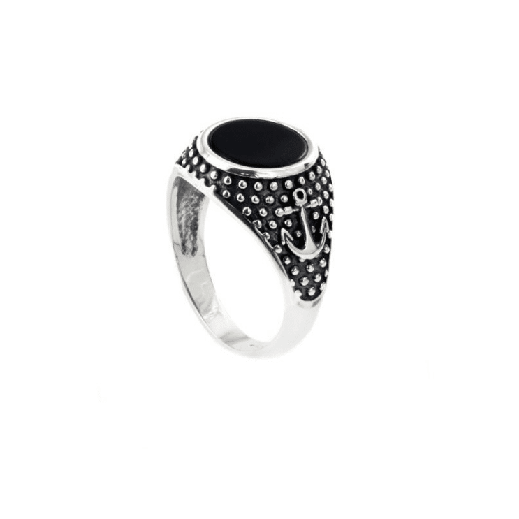 Tendencia en joyería 2021: anillos tipo sello