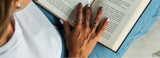 significado de los anillos según el dedo